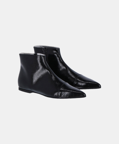 Pointed eco-leather ankle boots, black