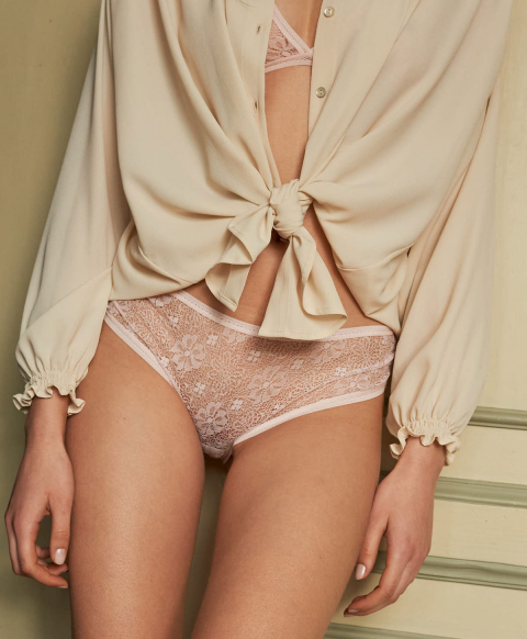 TODI KNICKERS IN LACE POWDER