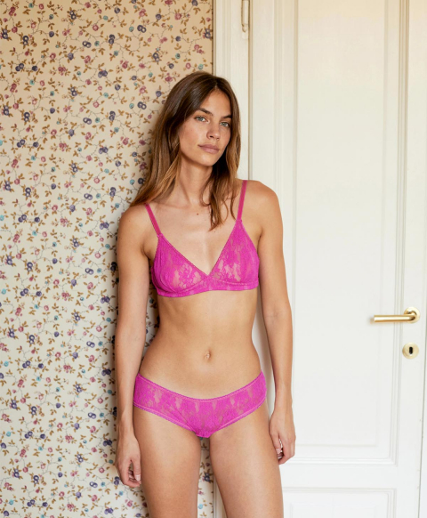 AMACA KNICKERS IN NATURAL STRETCH LACE - MAGENTA