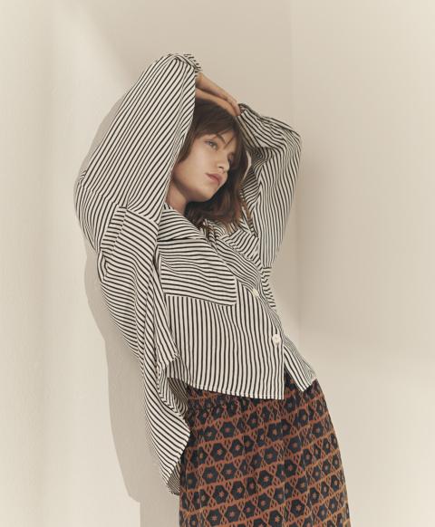 Oversized shirt with striped silk, viscose pockets