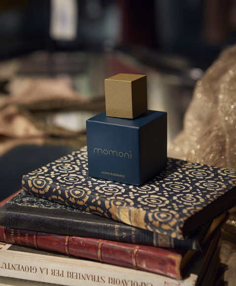 MUSE BLUE the fragrance by Momonì